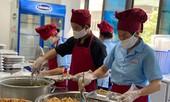 Ngộ độc thực phẩm, bữa ăn cho học sinh có giòi: Phụ huynh khó kiểm tra, giám sát?