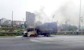 Xe tải cháy ngùn ngụt trên đại lộ Thăng Long