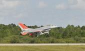 Thử nghiệm chiến đấu cơ QF-16 không người lái