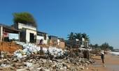 Hàng chục căn nhà có nguy cơ bị biển 'nuốt chửng' ở Phan Thiết