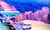 Lạnh người cảnh sạt lở kinh hoàng ở hạ lưu thủy điện tại TT-Huế