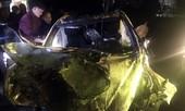 Mercedes lao xuống kênh, nam tài xế tử vong