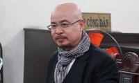 Ông Đặng Lê Nguyên Vũ đến tòa hòa giải ly hôn lần 2