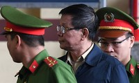 Cựu trung tướng Phan Văn Vĩnh vẫn chưa có quyết định kháng án hay không. Ảnh: Như Ý