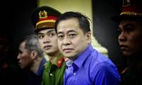 Ông Vũ 'nhôm' tại phiên tòa sơ thẩm TAND TPHCM hồi cuối năm 2018. Ảnh: Tân Châu