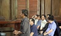 Hàng loạt nguyên Trưởng, Phó công an xã thuộc huyện Bảo Lâm nay thành bị cáo. Ảnh: Tân Châu