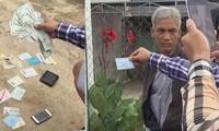 Phó Viện trưởng Viện KSND huyện Tân Châu - ông Đặng Trường An bị bắt quả tang. Ảnh: Tân Châu.