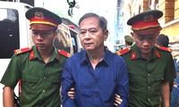 Cựu Phó Chủ tịch UBND TPHCM Nguyễn Hữu Tín tại TAND TPHCM. Ảnh: Tân Châu