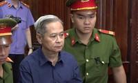 Cựu Phó Chủ tịch UBND TPHCM Nguyễn Hữu Tín nay chấp nhận án tù mà tòa án đã tuyên. Ảnh: Tân Châu