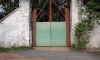 Cửa vào 'Tịnh Thất Bồng Lai'.