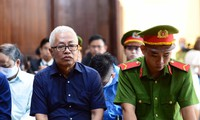 Cựu Tổng giám đốc DongAbank Trần Phương Bình, nay bị chính DongAbank đòi ngàn tỷ tại tòa. Ảnh: Tân Châu