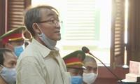 Bị cáo Nguyễn Khanh trong phiên tòa sáng 21/9. Ảnh: Tân Châu
