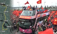 Hành trình 5 tiếng đi 30 km về trung tâm Hà Nội của U23 Việt Nam