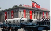 Triều Tiên duyệt binh rầm rộ với dàn tên lửa đạn đạo xuyên lục địa