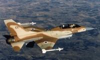 Khoảnh khắc Patriot Israel bắn nổ UAV xâm nhập không phận đêm 11/7