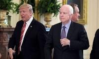 Vì sao Thượng nghị sĩ John McCain không muốn Tổng thống Trump viếng