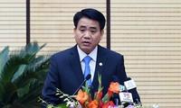 Chủ tịch Hà Nội trả lời công nhân về giá xăng, giá điện tăng