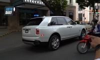 Video: Siêu xe Rolls-Royce Cullinan hơn 40 tỷ đồng chạy trên phố Hà Nội