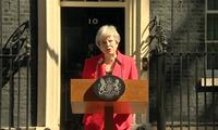 Thủ tướng Anh nghẹn ngào khi thông báo từ chức