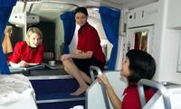 Cánh cửa bí mật dẫn đến nơi ngủ của phi công và tiếp viên hàng không