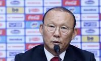 Ông Park thông tin về hợp đồng mới ký