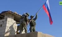 Quân cảnh Nga rầm rộ tiếp quản tiền đồn Mỹ bỏ lại tại Syria