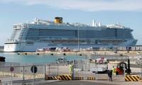 Hai khách TQ nghi nhiễm virus corona, du thuyền 6.000 người bị cách ly