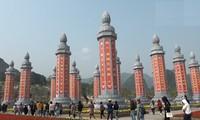32 cột kinh Phật khổng lồ bằng đá độc nhất vô nhị ở Việt Nam