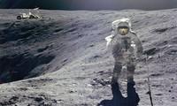 Bao nhiêu người từng dạo bước trên Mặt Trăng?