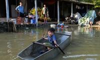 Cách xử lý để có nước sạch sau lũ lụt