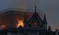 Nhà thờ Đức Bà Paris sau vụ cháy. (Ảnh: BBC)