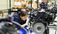 Hoạt động sản xuất của Trung Quốc có thể tiếp tục giảm khi cuộc chiến thương mại Mỹ - Trung còn kéo dài. (Ảnh: Reuters)