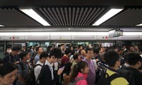 Giao thông ở Hong Kong gần như đã trở lại bình thường trong sáng 13/6.(Ảnh: SCMP)