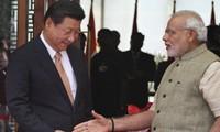 Ông Modi và ông Tập gặp nhau ở Ahmedabad vào tháng 9/2014. (Ảnh: AP)