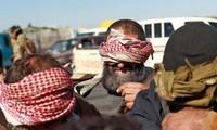 Những đối tượng tình nghi là thành viên IS bị bắt tại Syria đầu năm nay. (Ảnh: Getty Images)