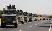 Đoàn xe quân sự của Thổ Nhĩ Kỳ tiến vào Syria. (Ảnh: Reuters)
