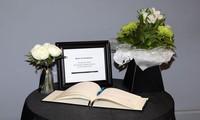 Sổ tang tưởng niệm 39 nạn nhân được mở tại Anh
