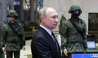 Ông Putin phát biểu trước các quan chức và lãnh đạo quân đội Nga. (Ảnh: AP)