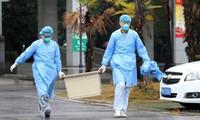 Nhân viên y tế tại một bệnh viện ở Vũ Hán. (Ảnh: Reuters)