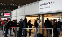 Bên trong sân bay Charles de Gaulle, Pháp