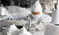 Đầu tháng 3, mỗi ngày Trung Quốc sản xuất được 116 triệu chiếc khẩu trang. (Ảnh: Xinhua)