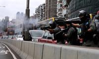 Hàng ngàn người Hong Kong xuống đường phản đối luật mới