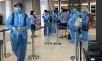 Nhóm người Việt ở Nhật được đưa về nước. (Ảnh: Mofa)