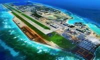 Đá Chữ Thập thuộc quần đảo Trường Sa của Việt Nam bị Trung Quốc biến thành một cơ sở quân sự. (Ảnh: China Daily)