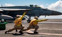 Các thủy thủ Mỹ trên tàu sân bay USS Ronald Reagan. (Ảnh: US Navy)