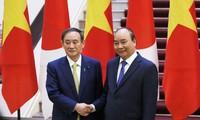 Thủ tướng Nguyễn Xuân Phúc và Thủ tướng Suga Yoshihide