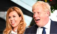 Thủ tướng Anh Boris Johnson và bạn gái Carrie Symonds. (Ảnh: Sky)
