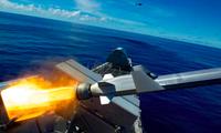 Tàu ven bờ USS Gabrielle Giffords của Mỹ phóng tên lửa trong một cuộc tập trận chung với lực lượng Philippines. (Ảnh: US Navy)