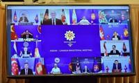Các Bộ trưởng ngoại giao ASEAN và Canada dự hội nghị trực tuyến ngày 5/8. (Ảnh: Mofa)