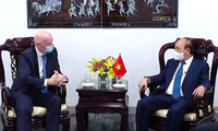 Chủ tịch nước Nguyễn Xuân Phúc trong cuộc tiếp Chủ tịch FIFA Gianni Infantino.